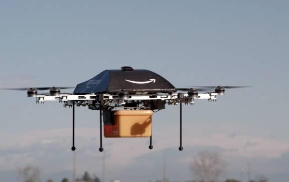 Amazon realizó su primera entrega utilizando un dron